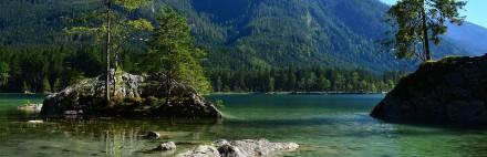 Romantischer Bergsee im Berchtesgadener Land