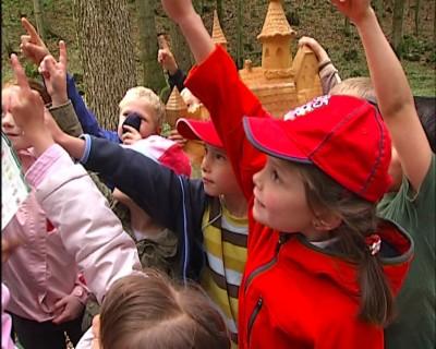 Märchenwanderung im Märchenwald am Aschauerweiher