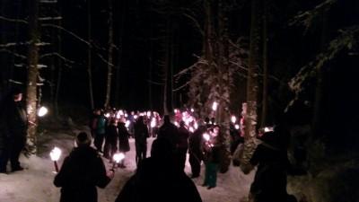Fackelwanderung im Winterwald am Aschauerweiher