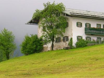 Altes Bauernanwesen am Natur-Erlebnisweg Bischofswiesen