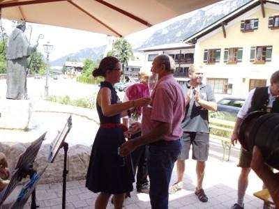 Bürgermeisterin Gorenzel und Winzer Ortmann aus Wölbling
