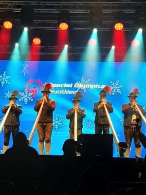 Bischofswieser Alphornbläser bei der Eröffnungsfeier Special Olympics Berchtesgaden
