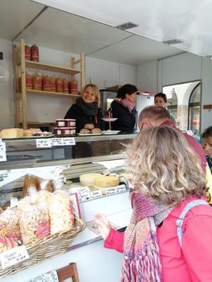 Marktstand am Bischofswieser Bauernmarkt