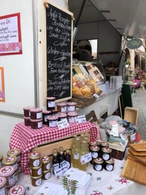 Große Auswahl am Bischofswieser Bauernmarkt mit heimischen Bauernprodukten