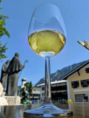 Weinerlebnis am Dorfbrunnen in Bischofswiesen