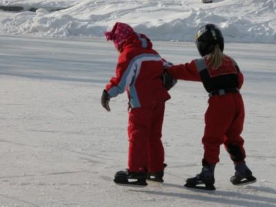 Kinder Eislaufen